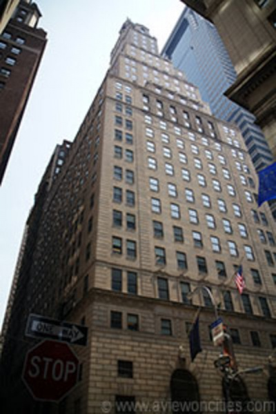 48 Wall Street, the former headquarters of both Sullivan and Cromwell and the J. Henry Schroder Banking Corporation.