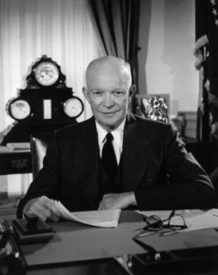 Eisenhower in the Oval Office.jpg